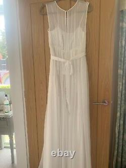 Ivory occasion dress fit for that special wedding, ball or party
