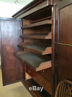 Large Victorian 3 Door Fitted Wardrobe With Full Length Mirror