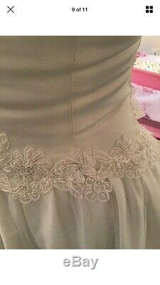 Stunning Wedding Dress Trudy Lee, Full Length With Train, Offwhite Fit Size 10